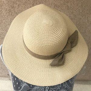 Ann Taylor Loft Outlet Straw Floppy Hat
